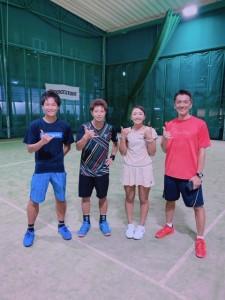 テニスの日 4人写真