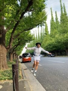 スコートでもジャンプ【佐藤直子のテニスがすべて】