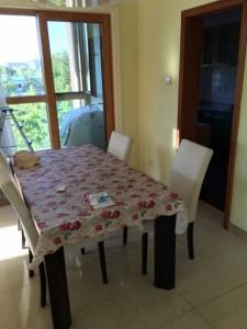 食卓:餐桌