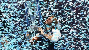 tsitsipas-london-2019-trophy-1